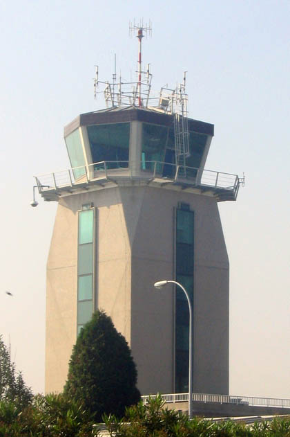 aeropuertolacoruna66Atorredecontrol_420.jpg